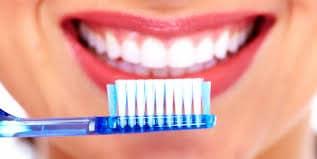 pulizia dei denti Dentista Chiavari
